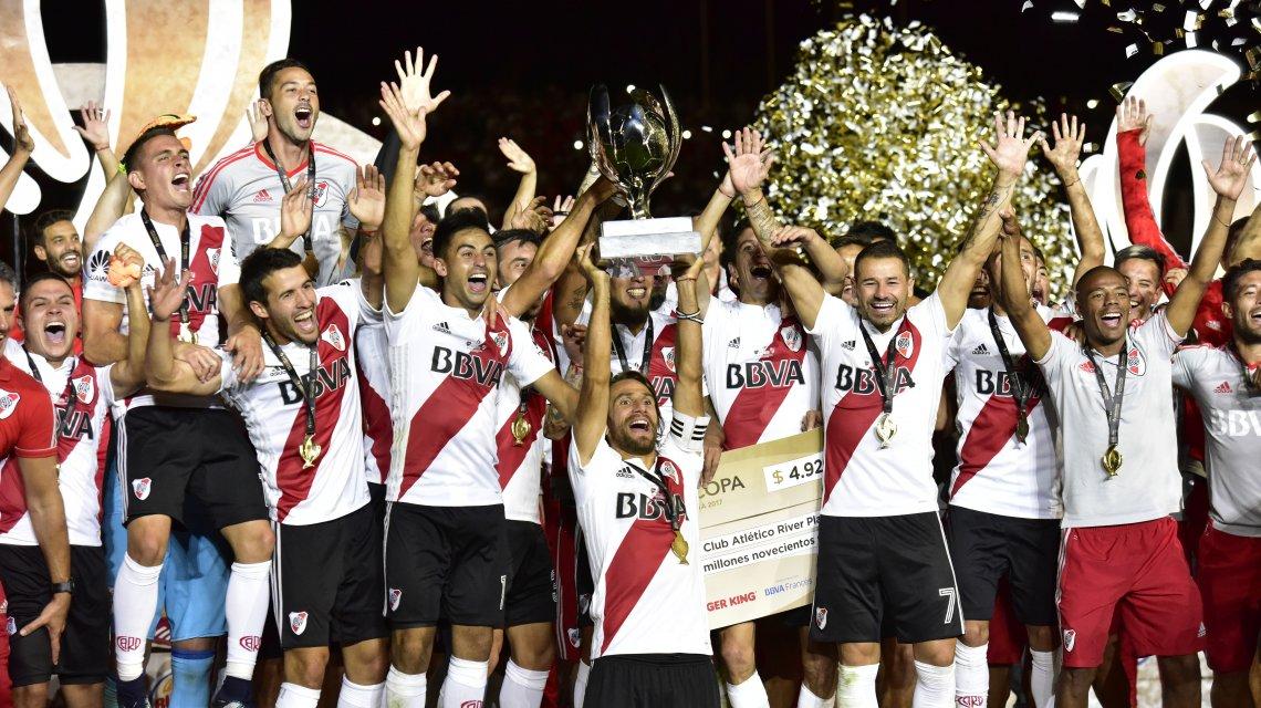 River Campeon Supercopa