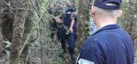 Busqueda sospechoso-violancion Pozo Azul