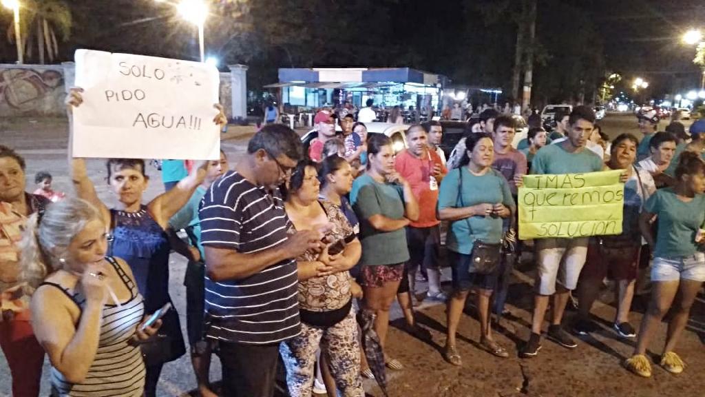 Iguazu-reclamo-falta agua