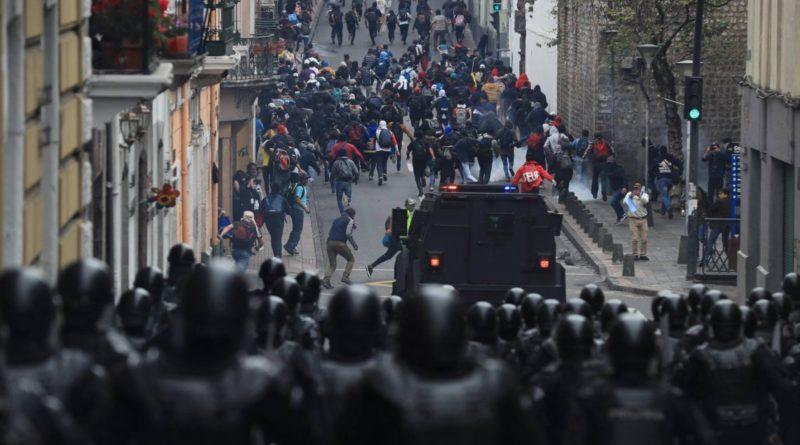 Ecuador-crisis institucional