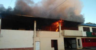 Incendio consumió cuadro departamentos en Posadas