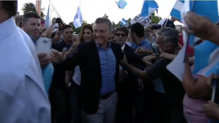 Macri llamó a cuidar el voto en un multitudinario acto en la Costanera posadeña