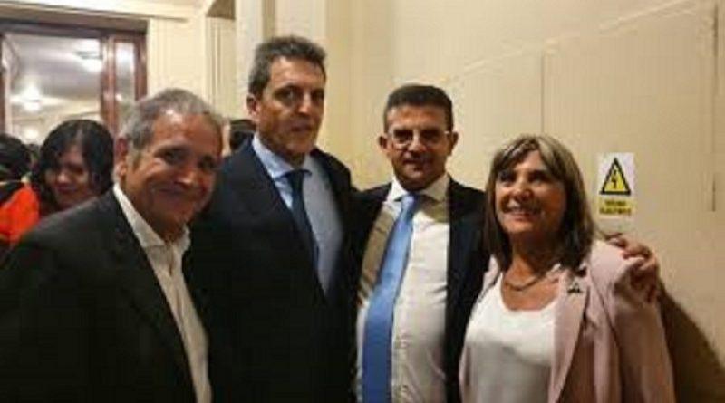 Los dirigentes de La Bancaria, Claudia Ormaechea y Carlos Cisneros, sus bancas de Diputado Nacional