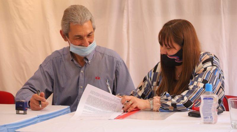 Firma Convenio de la COPRETI en Oberá
