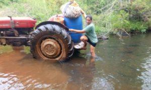 Familias de productores del Paraje 3 Leones reclaman pozo perforado y red para contar con agua