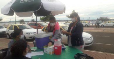 Unos 300 taxistas reciben la vacuna contra el Covid